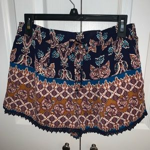 About A Girl Patterned Shorts